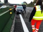VENARIA - Scontro fra due auto in tangenziale: tre persone ferite - immagine 2