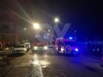 TORINO-VENARIA - Incendio in un alloggio di via Berrino: anziana intossicata, palazzina evacuata - immagine 2
