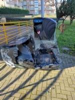 CRONACA - Ordinanza non rispettata: cassonetti esplosi e distrutta la statua della Madonna - immagine 2