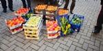 CASELLE - Frutta e verdura sequestrati: i carabinieri donano tutto alla Caritas - FOTO - immagine 2