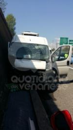 TRAGEDIA SULLA TANGENZIALE - Incidente stradale: muore un uomo di 56 anni - FOTO - immagine 2