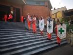 RIVOLI - Laddio a Massimiliano Pirrazzo: una folla commossa in chiesa per lultimo saluto - FOTO - immagine 10