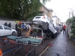 VENARIA - Perde il controllo dellauto e sinfila sotto unaltra parcheggiata: donna in ospedale - immagine 5