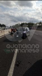 RIVOLI - Scontro fra tre auto in tangenziale: due feriti e 12 chilometri di coda - immagine 2