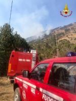 VAL DELLA TORRE - Incendio in Borgata Moschette: pompieri ancora a lavoro - immagine 2