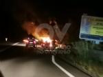 CASELLE - Auto a fuoco mentre percorreva la ex statale - immagine 2