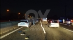 INCIDENTE IN TANGENZIALE - Scontro fra tre auto: una si ribalta, una persona ferita FOTO - immagine 2
