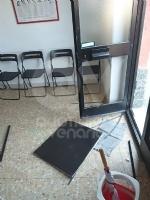 VENARIA - Natale amaro in casa Pd: vandalizzata la sede di via Palestro - immagine 2