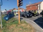 CASELLE - Spaventoso incidente allincrocio tra strada Aeroporto e via Savonarola - FOTO - immagine 2