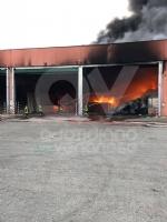 DRUENTO - Incendio ex Punto Ambiente: situazione sotto controllo dallalba - LE FOTO - immagine 2