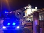 ALPIGNANO - A fuoco il tetto della panetteria di via Garibaldi: ingenti i danni - immagine 2