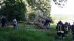 TRAGEDIA A VARISELLA - Muore ribaltandosi con lescavatore in un campo - FOTO - immagine 4