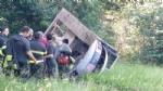 TRAGEDIA A VARISELLA - Muore ribaltandosi con lescavatore in un campo - FOTO - immagine 2