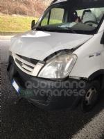 COLLEGNO - Scontro fra tre mezzi in tangenziale: una donna rimane ferita - immagine 2