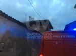 CASELLE - La lavatrice va in corto: alloggio distrutto dalle fiamme in via Gibellini - FOTO - immagine 2
