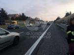 COLLEGNO - Perde il controllo dello scooter in tangenziale: 32enne rimane ferito - immagine 2