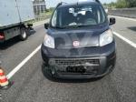 VENARIA-BORGARO - Scontro in tangenziale: tre auto coinvolte, due i feriti - immagine 2