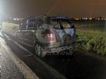 RIVOLI - Auto in fiamme in tangenziale: conducente riesce a mettersi in salvo - immagine 2
