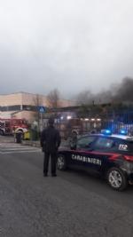 BORGARO - Incendio in azienda: colonna di fumo e aria irrespirabile - FOTO - immagine 2