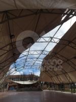 CASELLE - Il forte vento distrugge la tenda della tensostruttura del PratoFiera - immagine 3