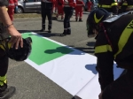 RIVOLI - Il «grazie» di Comune, forze dellordine, associazioni e pompieri al personale sanitario - FOTO E VIDEO - immagine 3