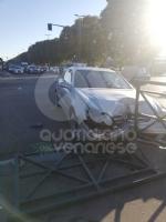 TORINO-VENARIA - Incidente allincrocio fra strada Altessano e corso Garibaldi: un ferito - FOTO - immagine 3