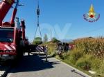 MAPPANO - Autocarro si ribalta nel fossato dopo lincidente: intervento dei vigili del fuoco FOTO - immagine 3