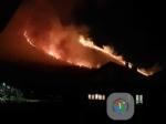 CAFASSE - GIVOLETTO - I boschi continuano a bruciare: Canadair ed elicotteri sul posto - immagine 3