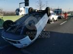COLLEGNO - Si ribalta con la 500 in tangenziale: ferito 23enne di Collegno - immagine 3