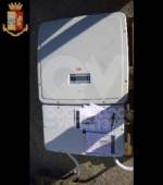 RIVOLI - Furgone abbandonato in tangenziale: allinterno 51 pannelli fotovoltaici, rubati - immagine 3
