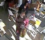 BORGARO - Ladre di mance al Bar Agorà: le immagini postate su Facebook - immagine 3