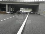 CAOS IN TANGENZIALE - Raffica di incidenti: due auto ribaltate e tre feriti - immagine 3