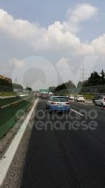 PIANEZZA-COLLEGNO - Maxi tamponamento in tangenziale: cinque auto coinvolte, un ferito - immagine 3