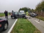 BORGARO - Scontro fra due auto in via Santa Cristina: una si ribalta, due feriti - immagine 3