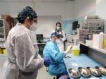 RIVOLI-COLLEGNO - Siamo tutti Silla Bovo: a 100 anni si vaccina per dire «stop» al Covid - FOTO - immagine 3