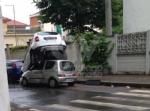 VENARIA - Perde il controllo dellauto e sinfila sotto unaltra parcheggiata: donna in ospedale - immagine 3