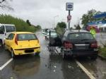 CASELLE - Scontro lungo la provinciale: due auto coinvolte, tre persone ferite - immagine 3