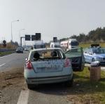 VENARIA - Cerca di evitare il camion e finisce contro la banchina: autista miracolosamente illeso - immagine 3