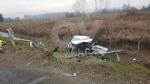 CASELLE-BORGARO - Paura in tangenziale: scontro fra due auto, una finisce fuori strada. Due feriti - immagine 3