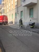 VENARIA - Fuga di gas in via IV Novembre: tecnici e vigili del fuoco in azione, traffico deviato - immagine 3