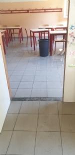 COLLEGNO - Idioti scaricano acqua ed estintori nelle aule della scuola: danni alla Gramsci - FOTO - immagine 3