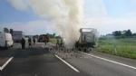 RIVOLI  - Il camioncino va a fuoco, la tangenziale in tilt: code chilometriche - immagine 3