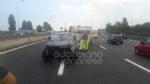 TANGENZIALE - La 500 si ribalta nel traffico: una donna e due bambine finiscono in ospedale - immagine 3