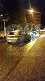 MALTEMPO - Albero e una insegna crollati sulle auto, strade allagate - immagine 12