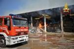 BORGARO-VILLARETTO - Azienda agricola in fiamme: bruciate 400 rotoballe di fieno - immagine 6