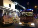 ALPIGNANO - A fuoco il tetto della panetteria di via Garibaldi: ingenti i danni - immagine 3