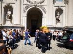VENARIA - Una città in lacrime per lultimo saluto a Maggie Maria Salamone - FOTO - immagine 3