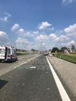 DELIRIO IN TANGENZIALE - Scontro fra due autocarri: un uomo incastrato, traffico bloccato - immagine 3