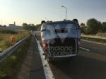 TORINO-RIVOLI - Si ribalta con lauto mentre va a lavoro: ferito 28enne rivolese - immagine 4