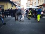 VENARIA - Scontro allincrocio: auto si ribalta in via Nazario Sauro: una ferita - immagine 4